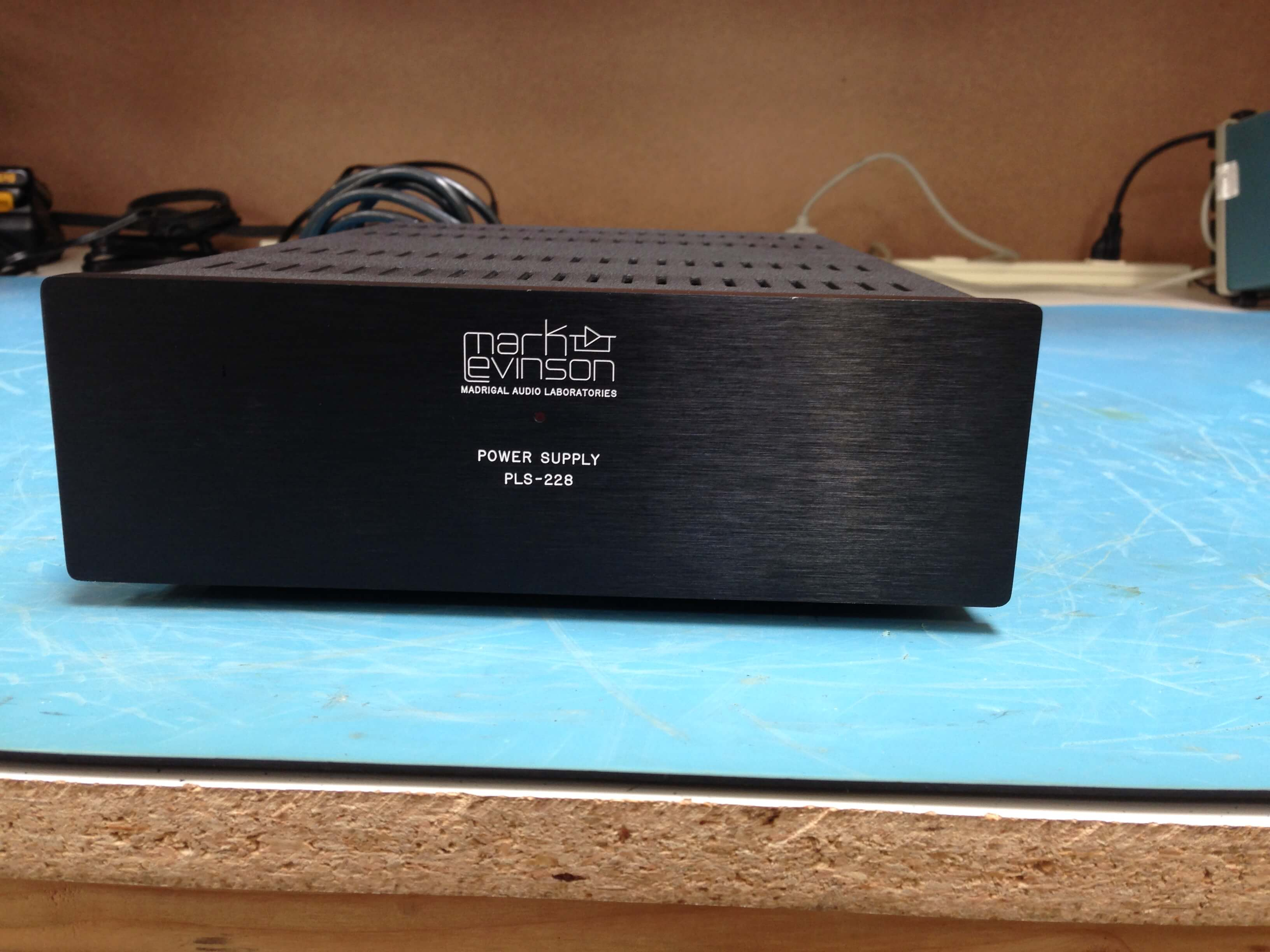 Mark Levinson 28 preamplifier with PLS-228 power supply