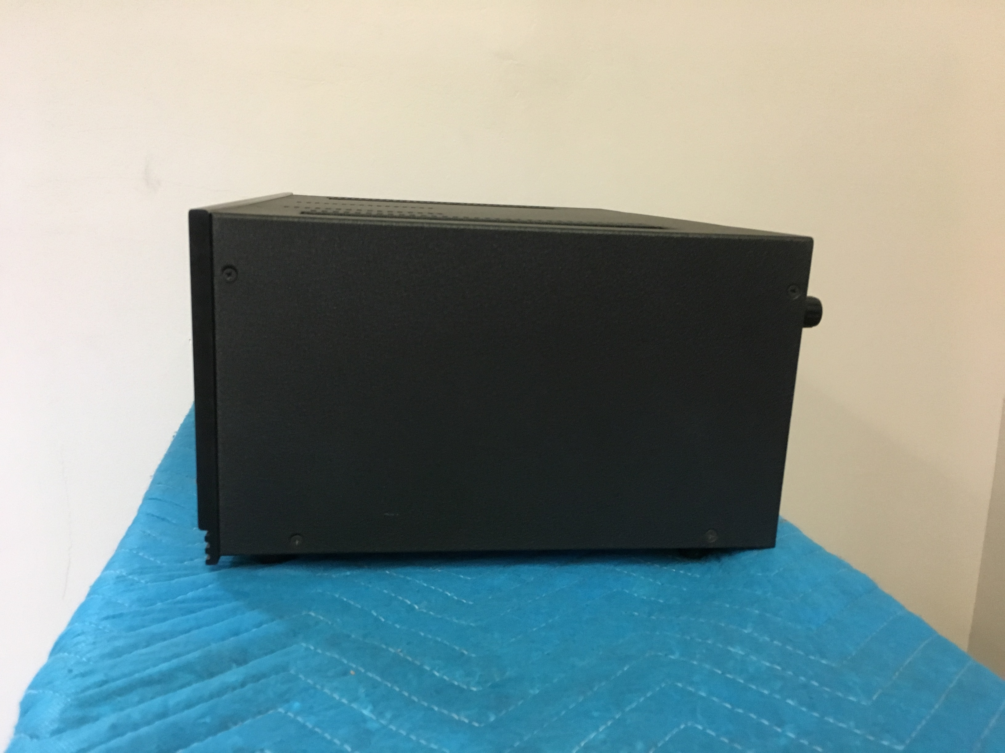 Anthem MCA 20 amplifier