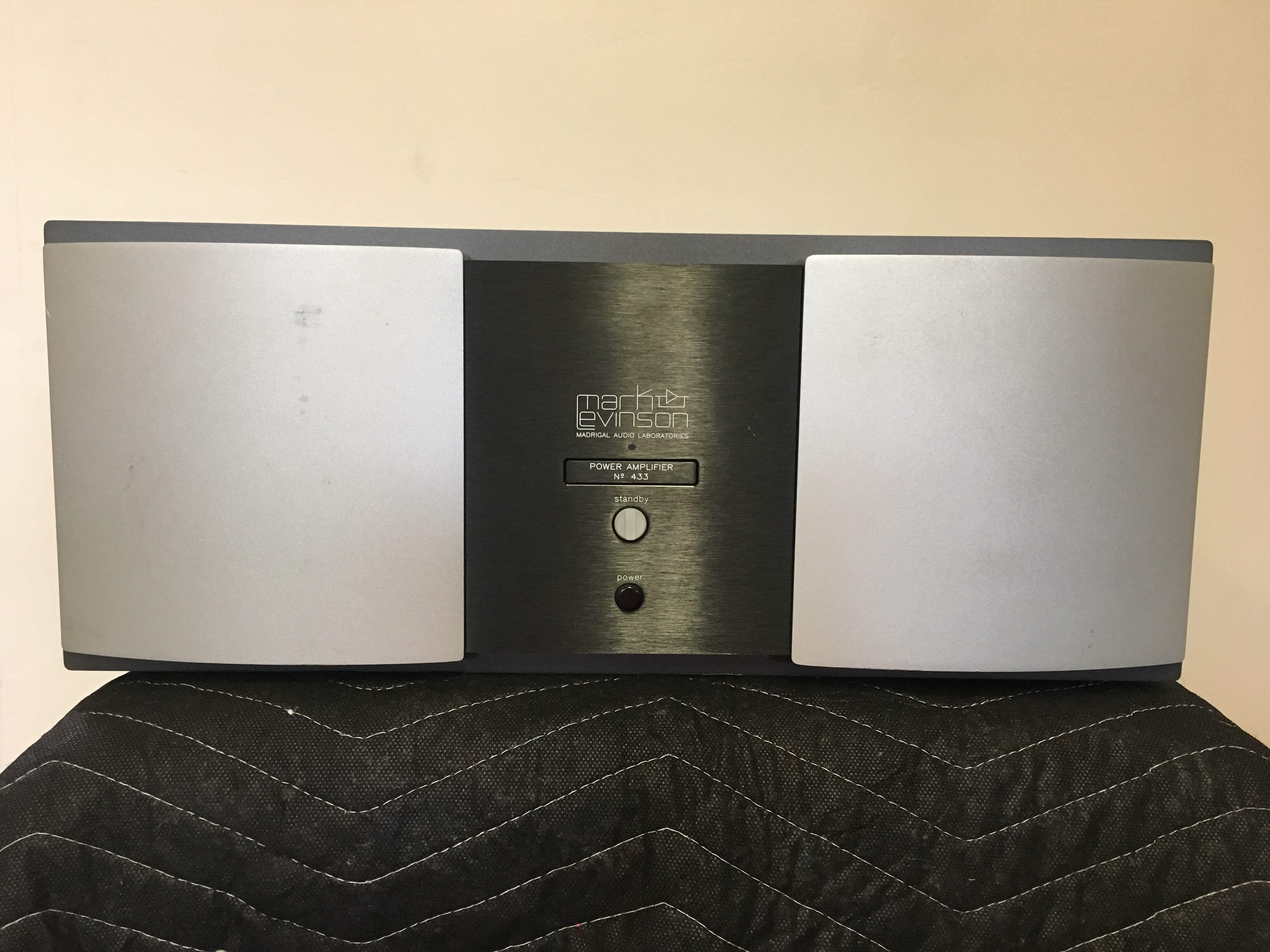 Mark Levinson No. 433 3 channel power amplifier