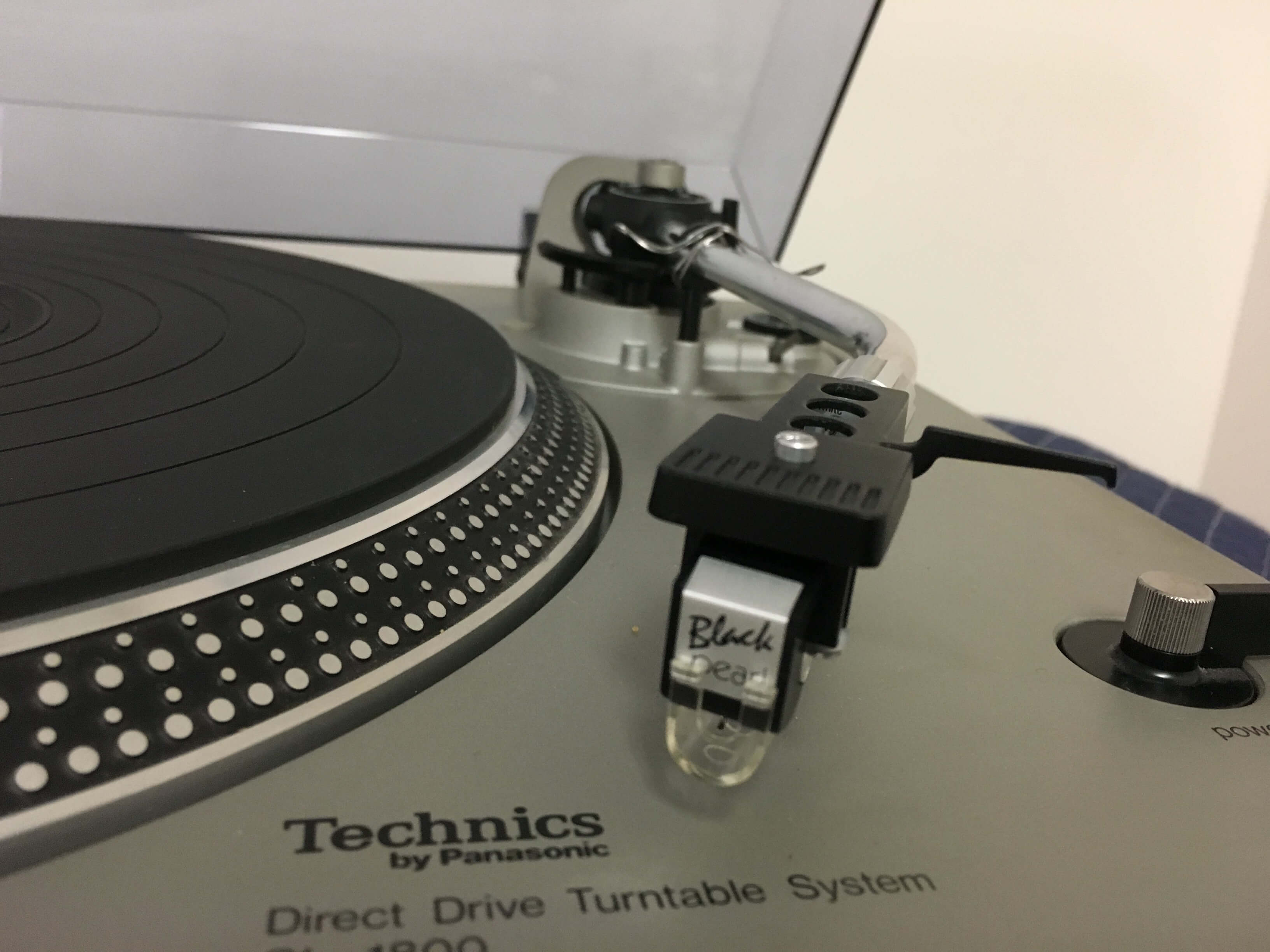 Technics ST-8080 tuner, SU-8080 integrated amplifier & SL1800 turntable set