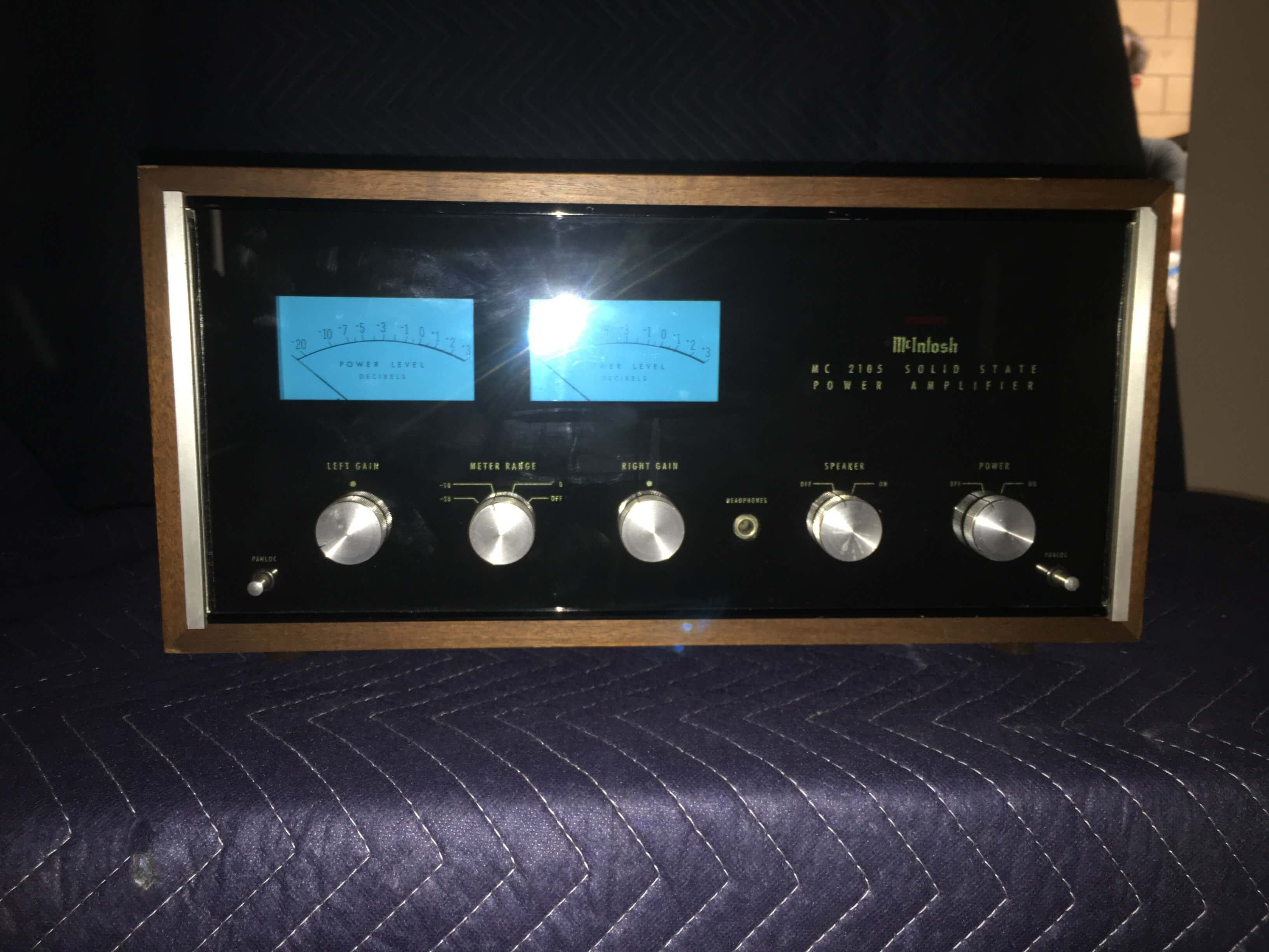 McIntosh MC2105 power amplifier