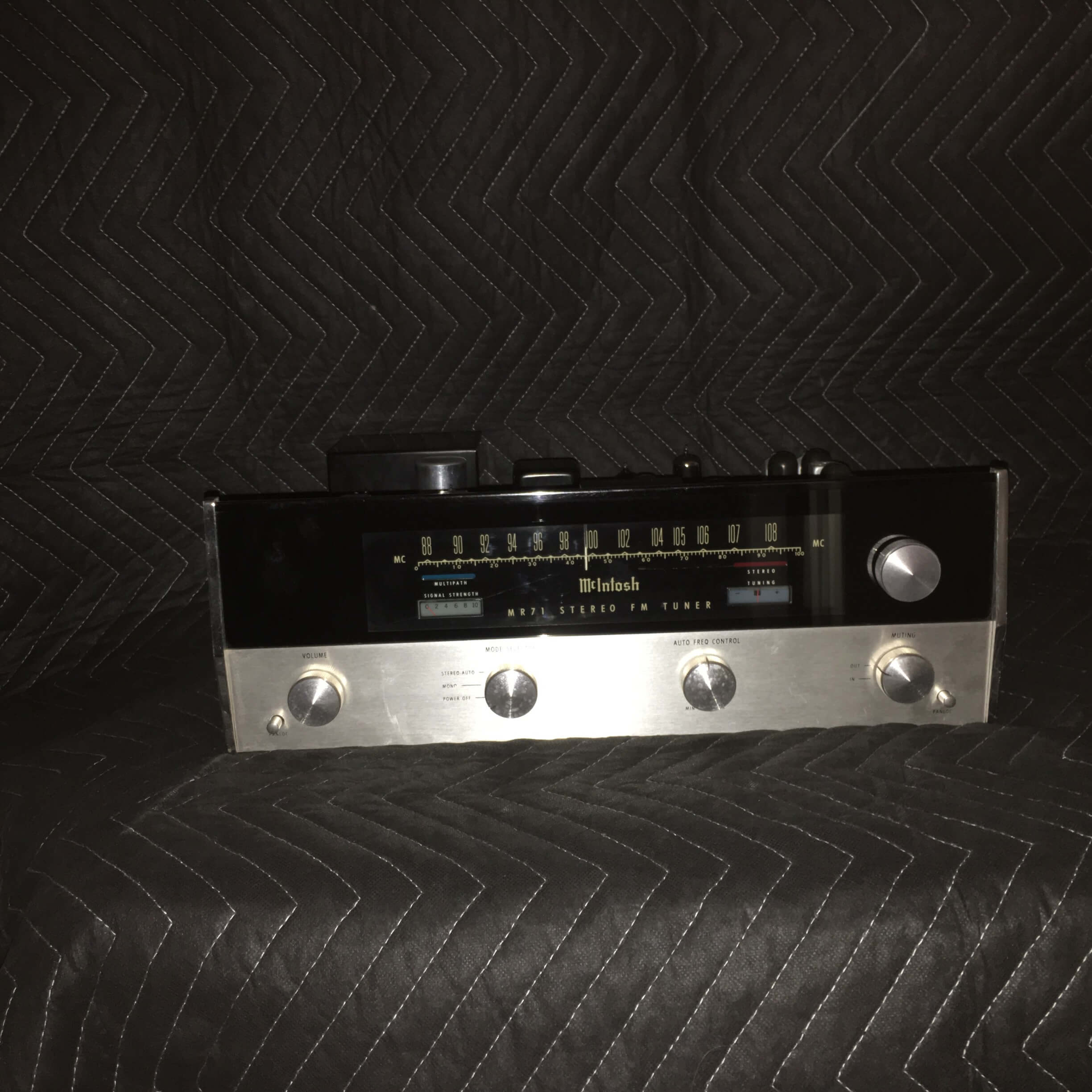 McIntosh MR 71 FM tuner with cabinet