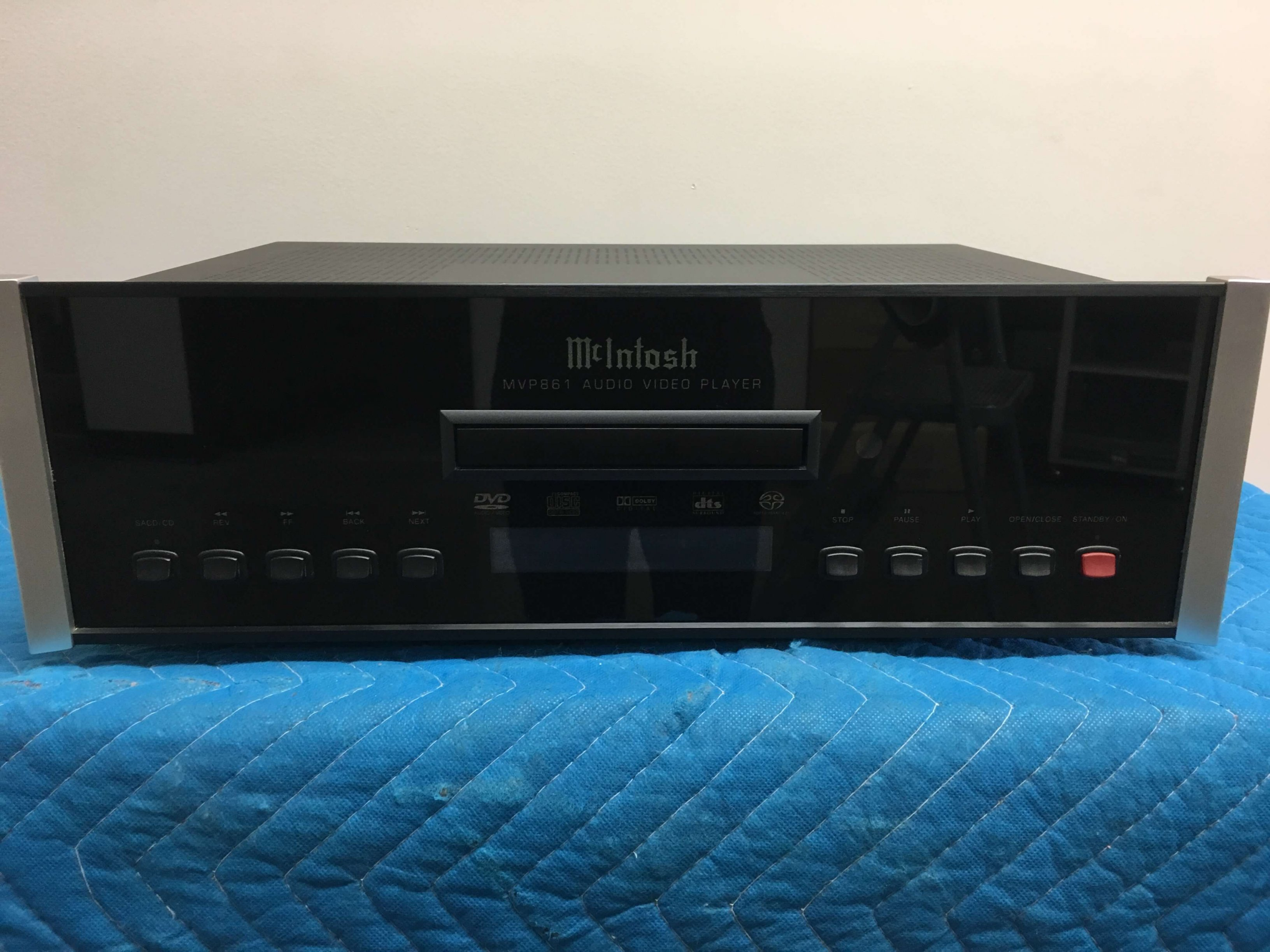 McIntosh MVP861 DVD/CD player