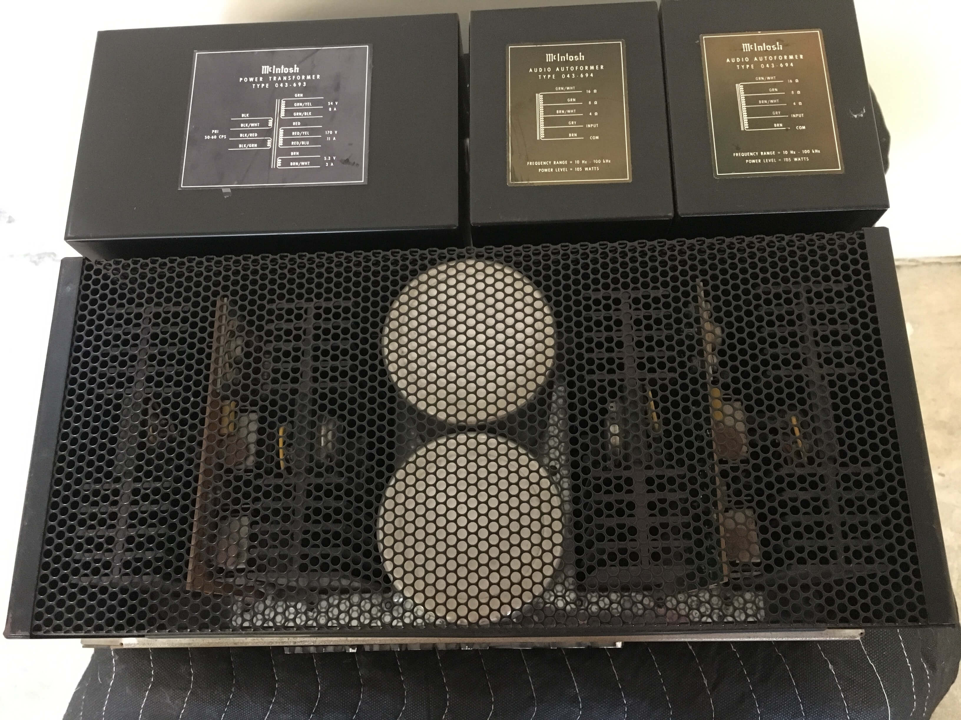 McIntosh MC2100 stereo amplifier