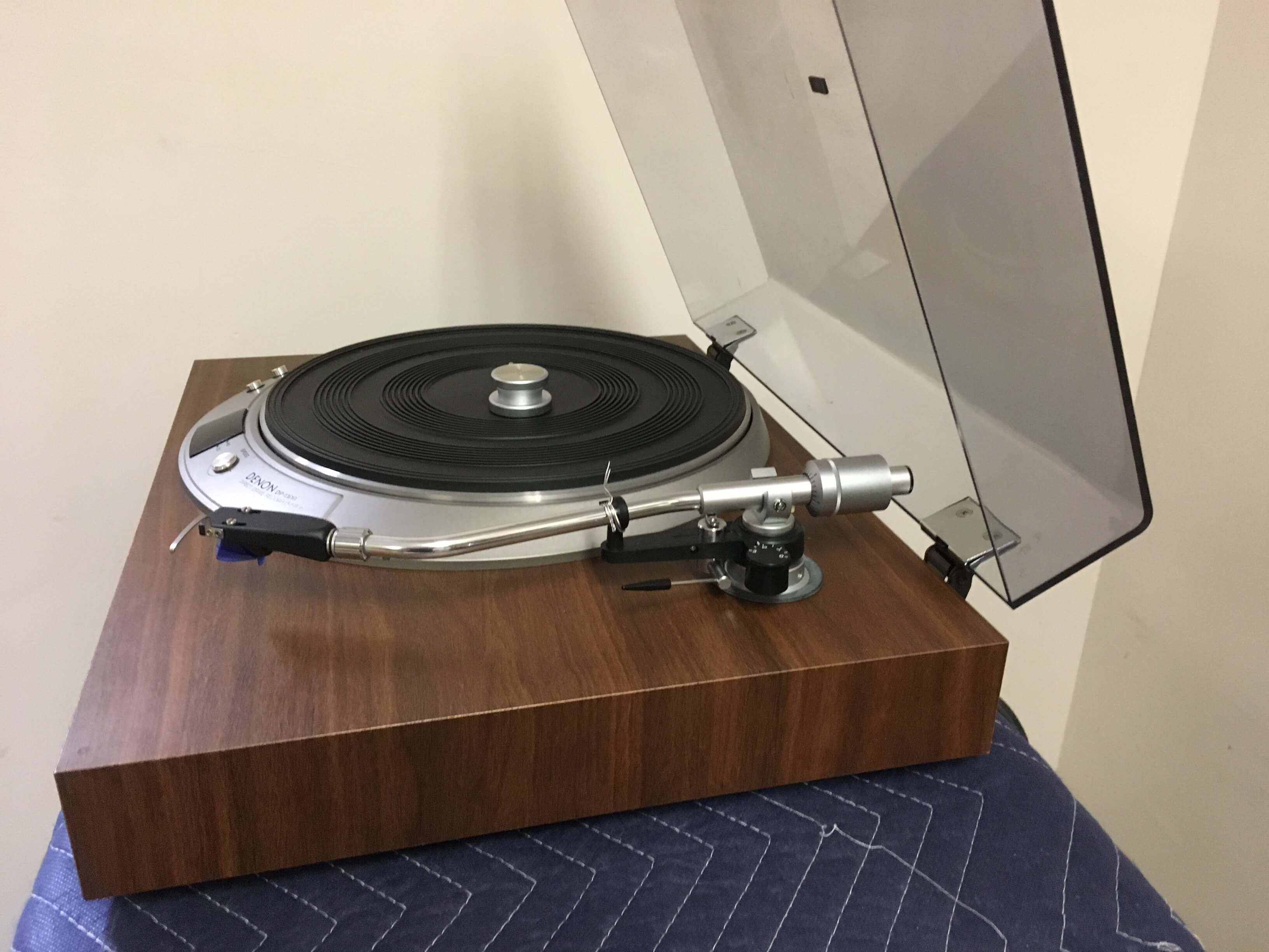 Denon DP-1100 direct drive turntable