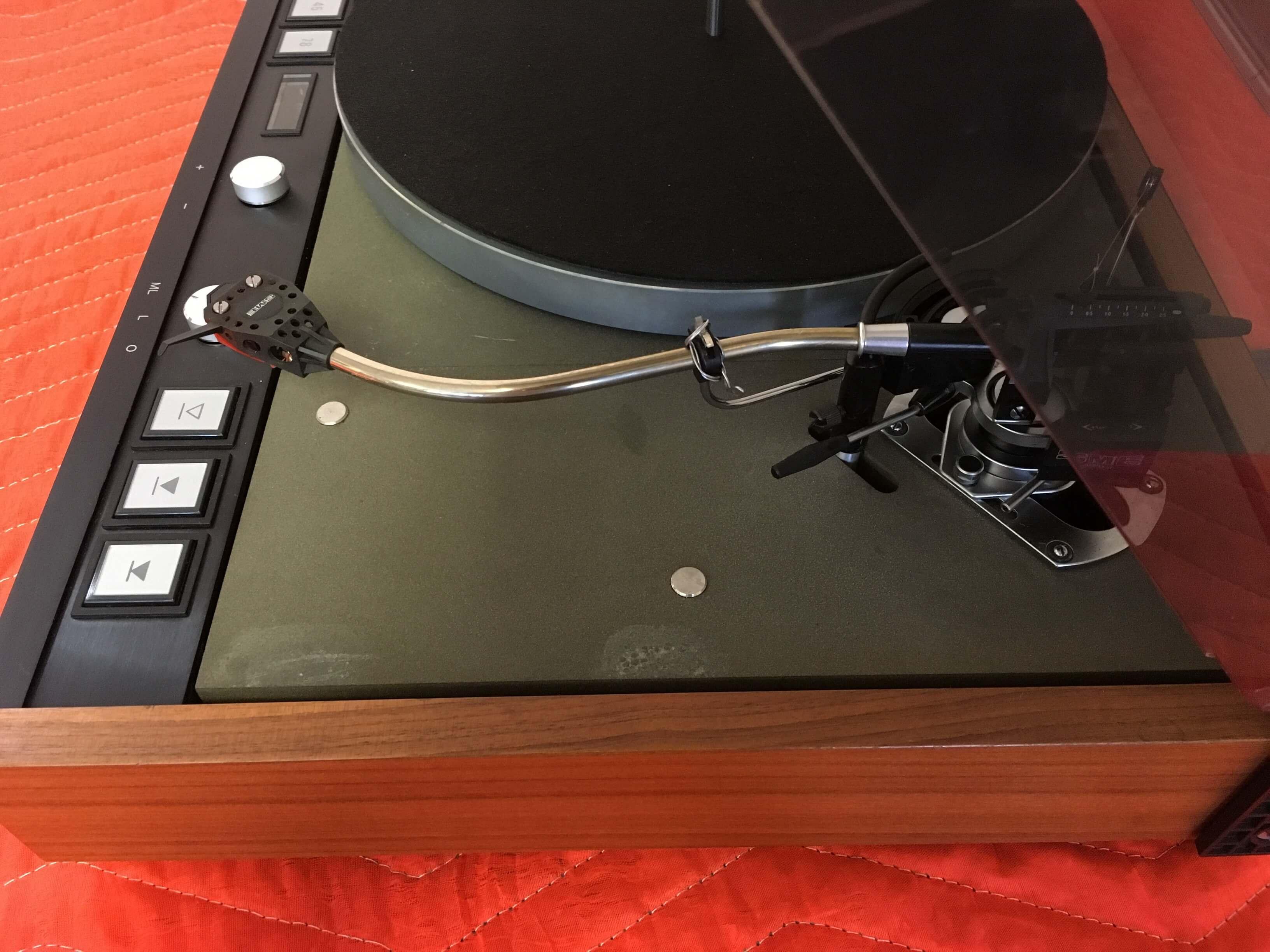 Thorens TD126 MKIII electronic turntable