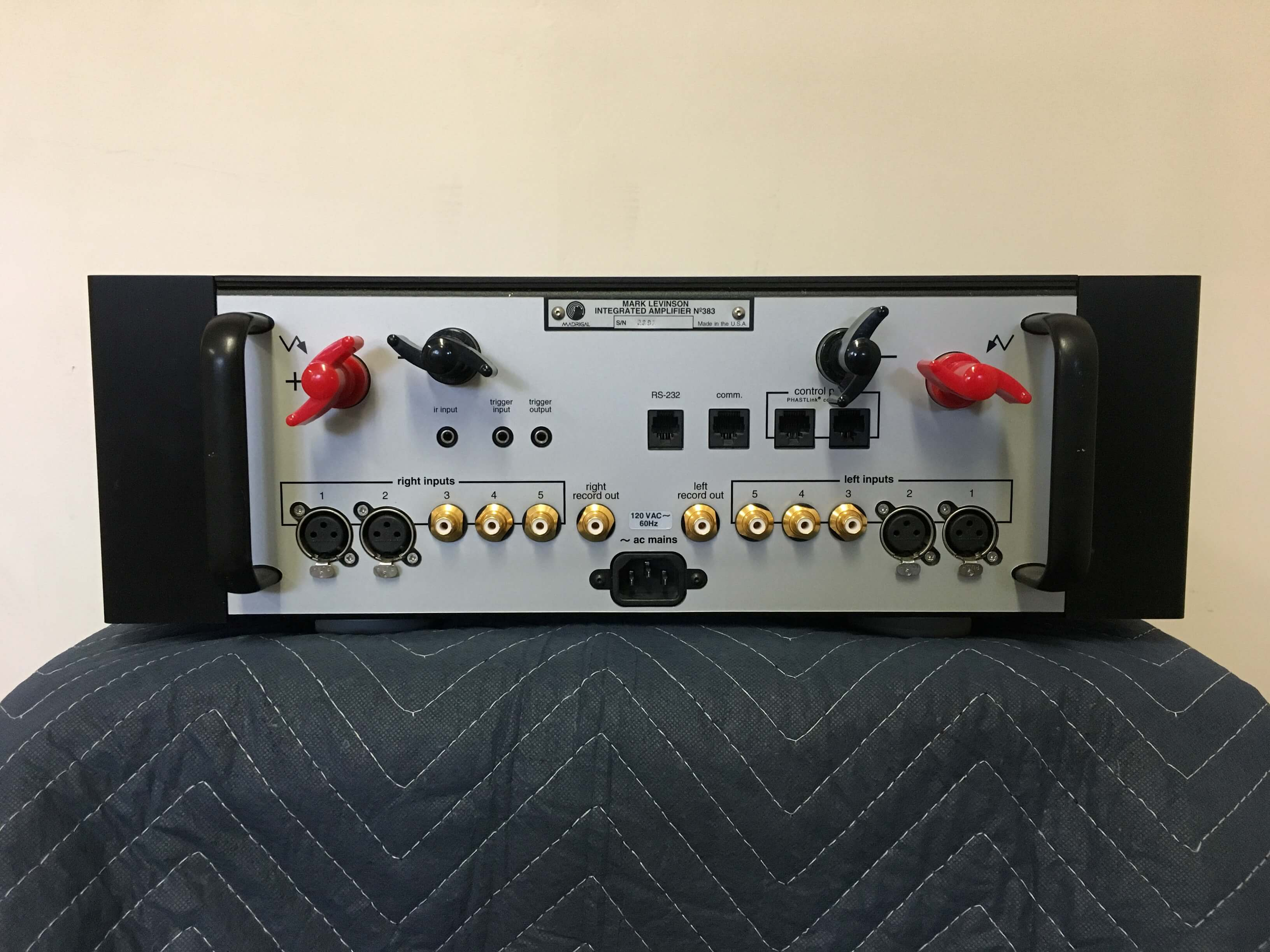 Mark Levinson No. 383 integrated amplifier