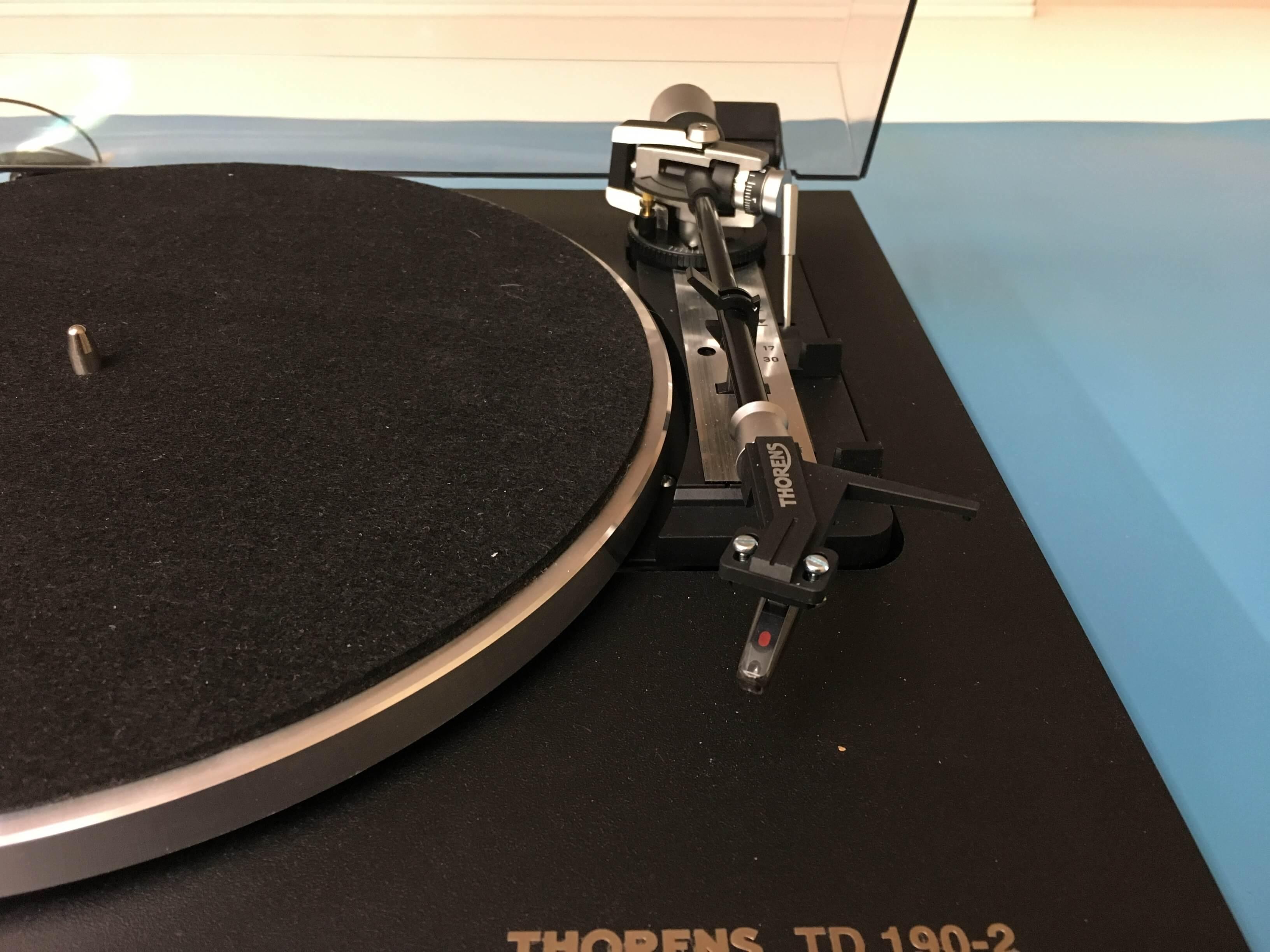 Thorens TD 190-2 turntable