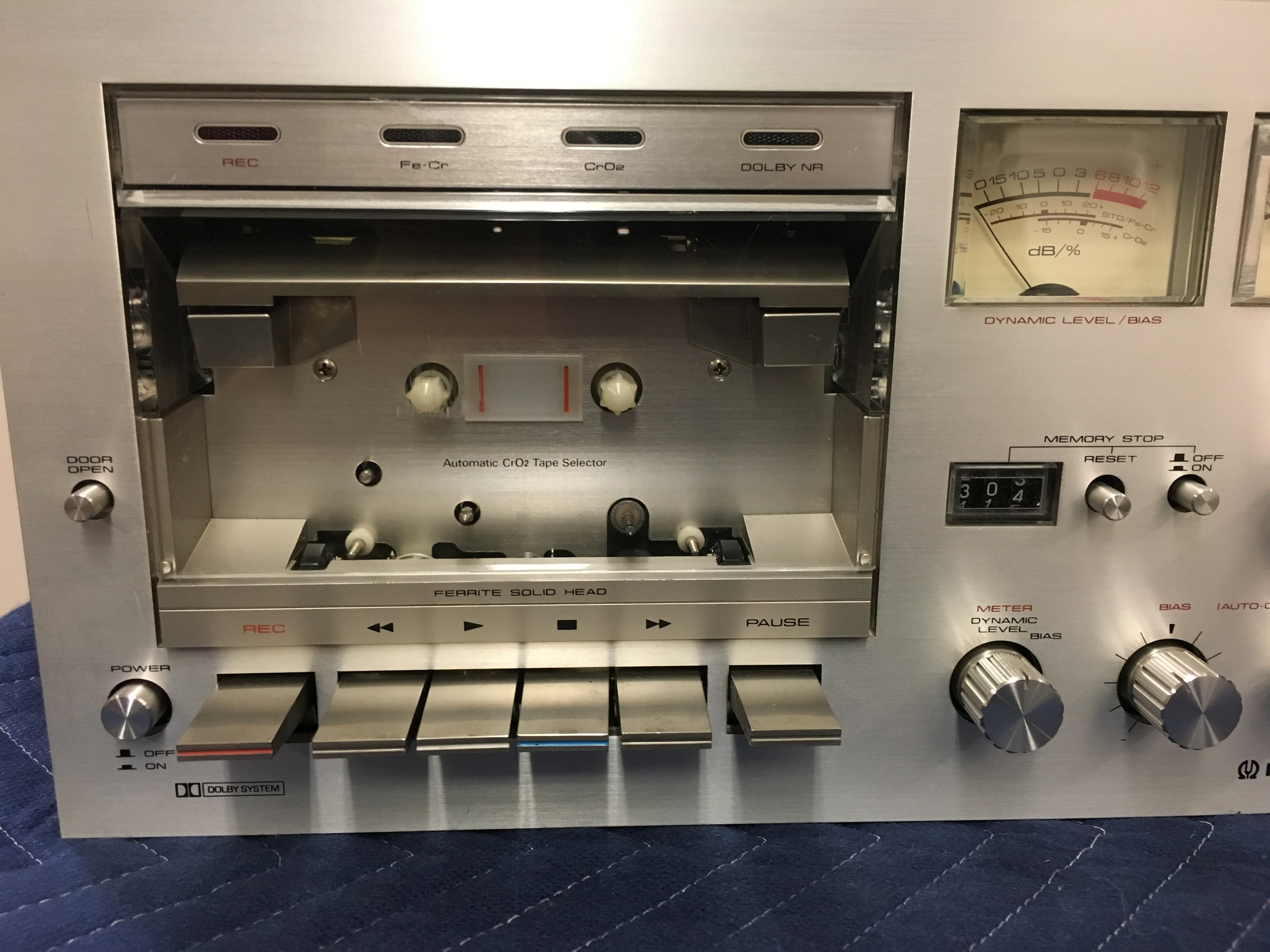 Pioneer CT-F700 stereo cassette tape deck