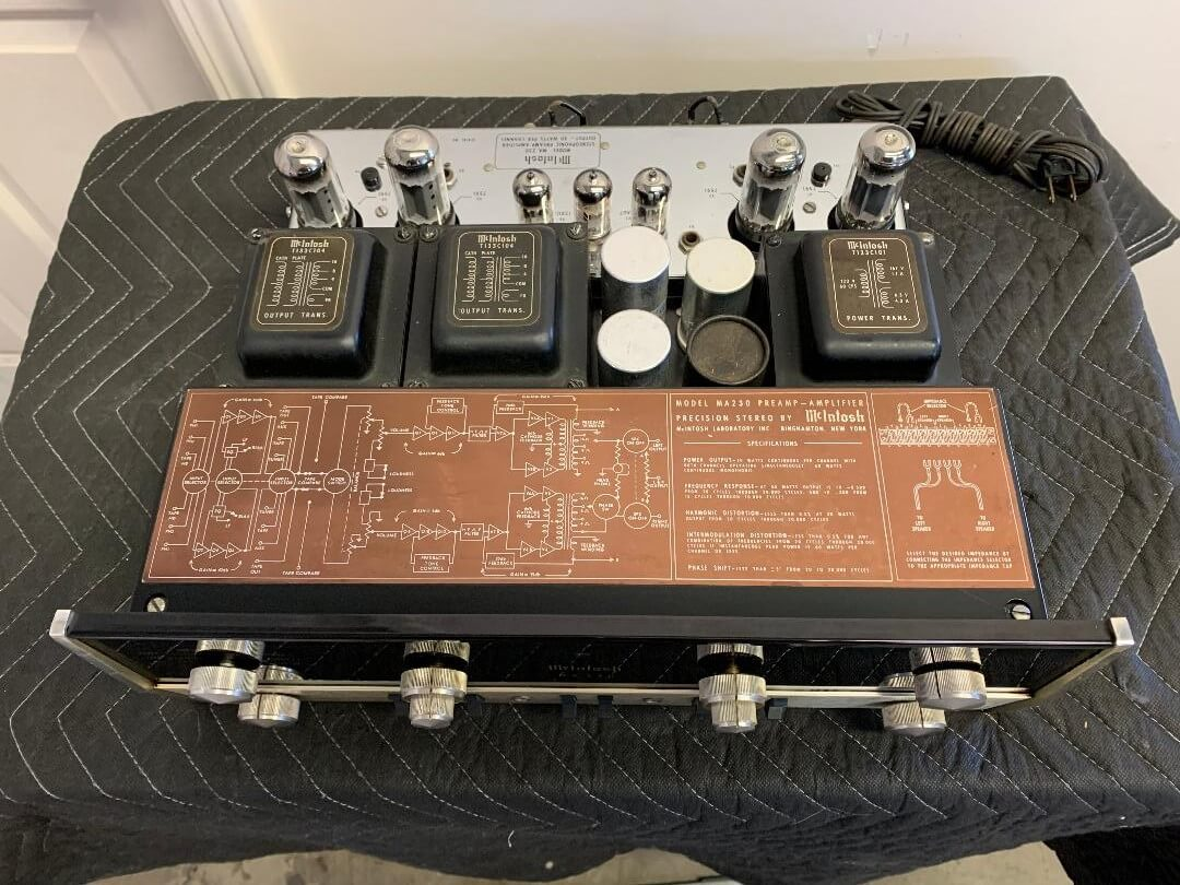 McIntosh MA230 preamplifier-amplifier