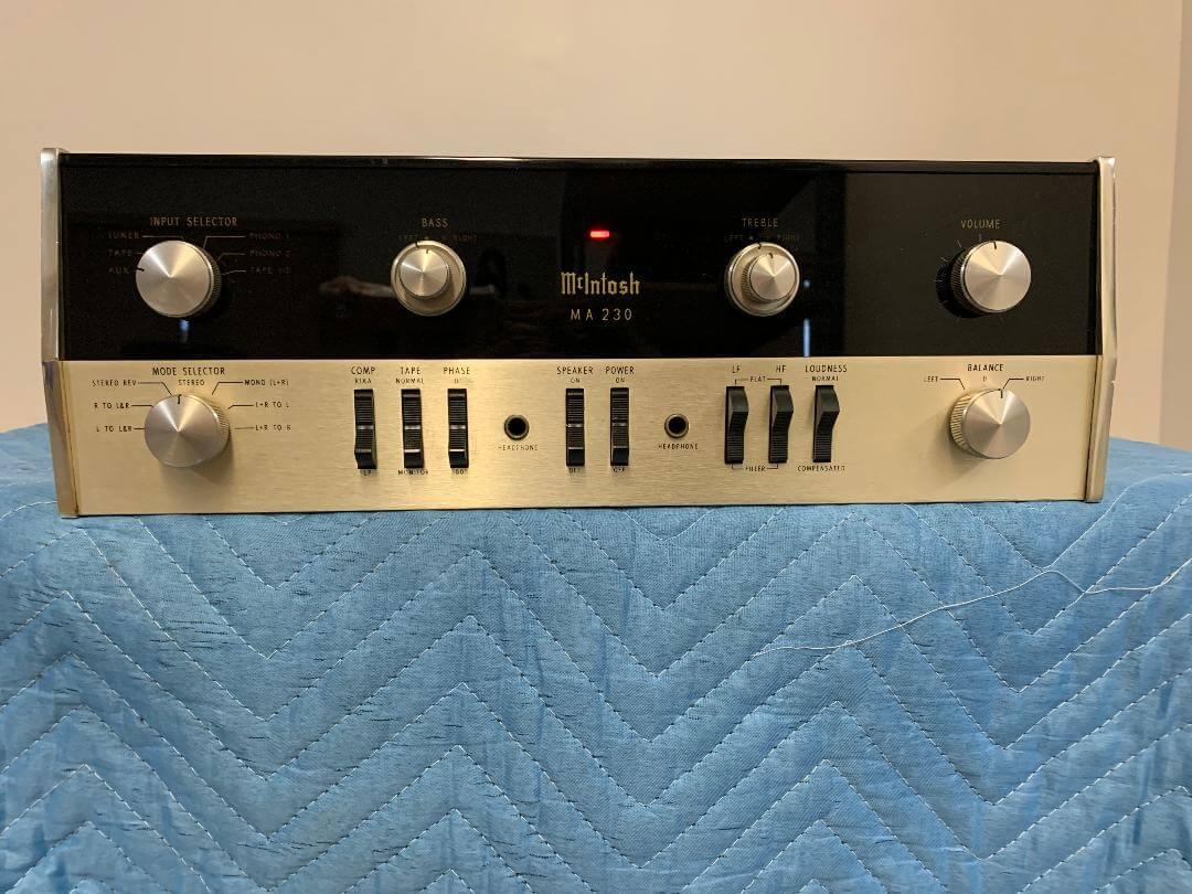 McIntosh MA230 preamplifier-amplifier