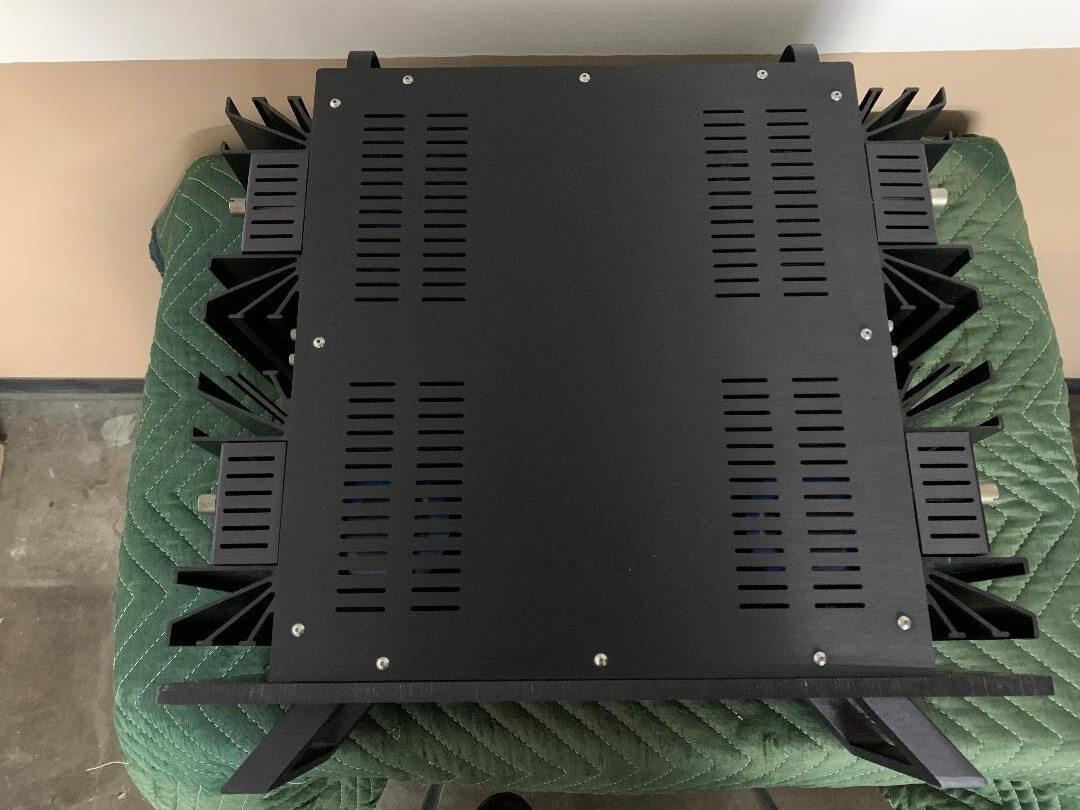 Mark Levinson No 27 dual monaural power amplifier