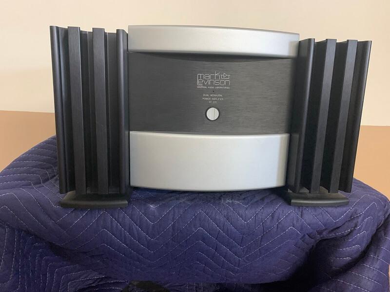 Mark Levinson No. 335 dual monaural power amplifier