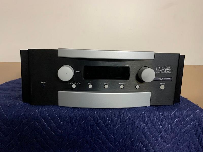 Mark Levinson No. 383 integrated amplifier