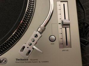 Technics SL 1200MK5 6