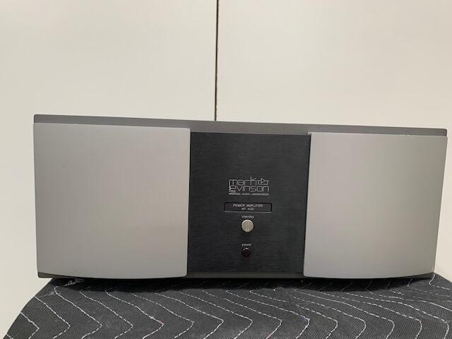 Mark Levinson No. 432 power amplifier