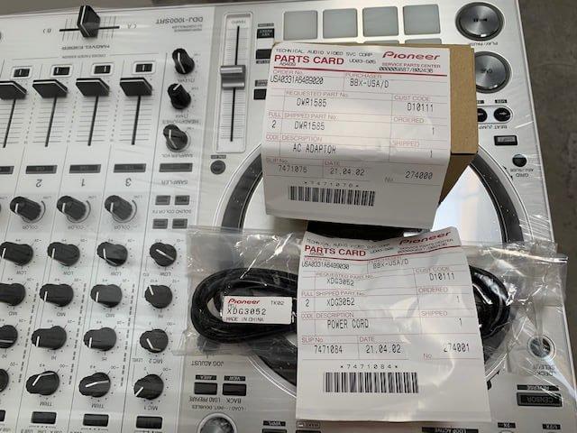Pioneer Serato ddj 1000SRT performance dj controller