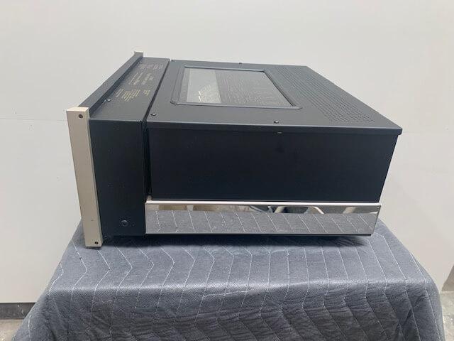 McIntosh C2600 tube preamplifier